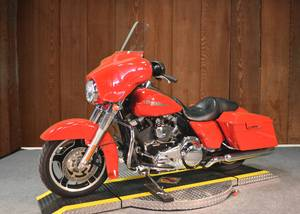 2011 FLHX STREET GLIDE WITH 28K MILES IN RED PAINT